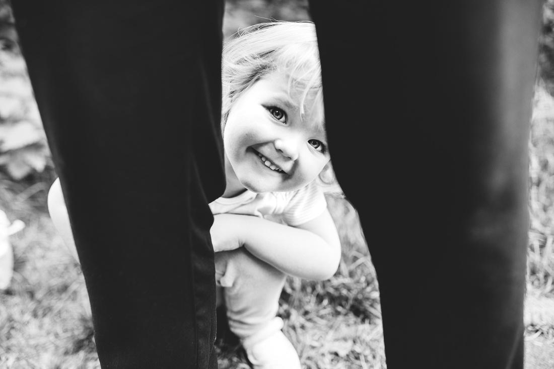 EMMA GRAYSTONE PHOTOGRAPHY OUTDOOR FAMILY PHOTO SHOOT SHROPSHIRE
