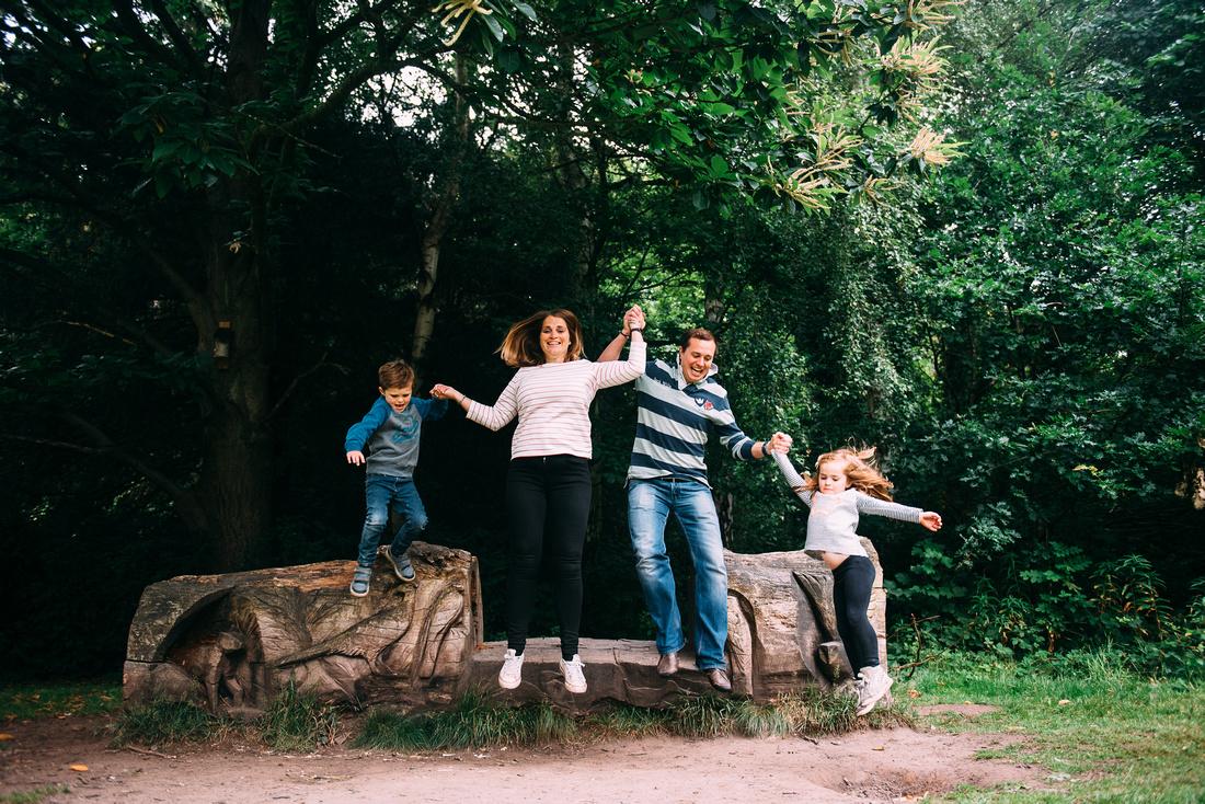 SHROPSHIRE WOODLAND FAMILY PHOTO SHOOT APLEY WOODS TELFORD